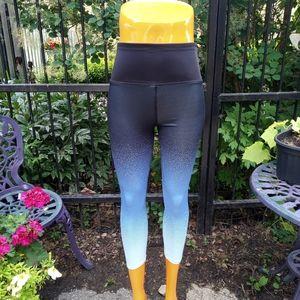 4/$20🥳 Printed workout leggings size XS